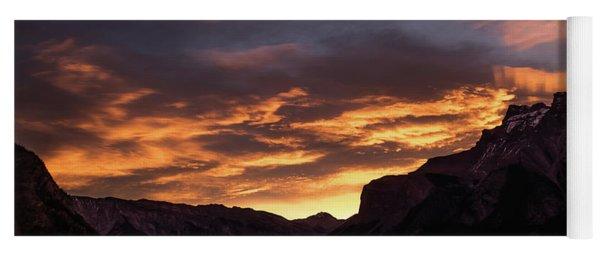 Sunrise Over Lake Minnewanka, Banff National Park, Alberta, Cana Yoga Mat
