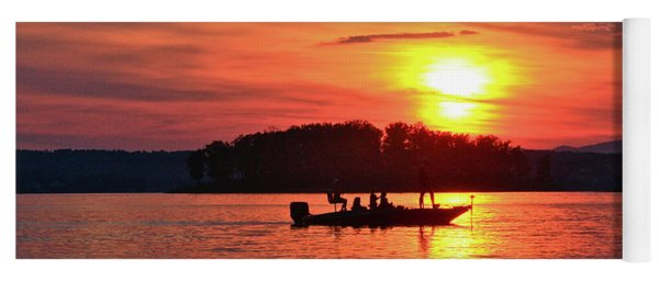 Sunset Fishermen, Smith Mountain Lake Yoga Mat