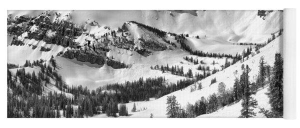 Trees At Rendezvous Peak Black And White Yoga Mat