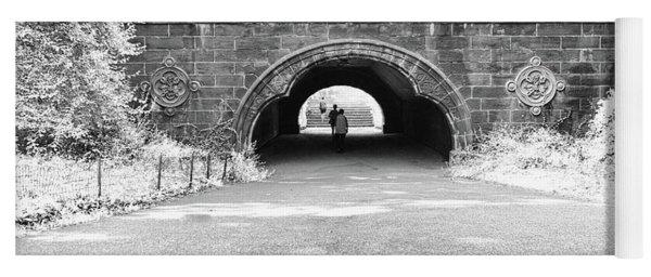 Trefoil Arch Central Park Black And White Yoga Mat