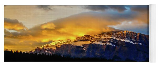 Two Jack Lake, Banff National Park, Alberta, Canada Yoga Mat