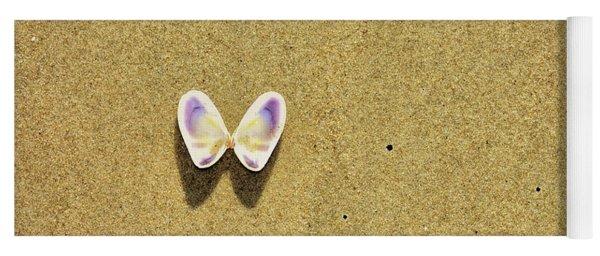 Winged Coquina Yoga Mat