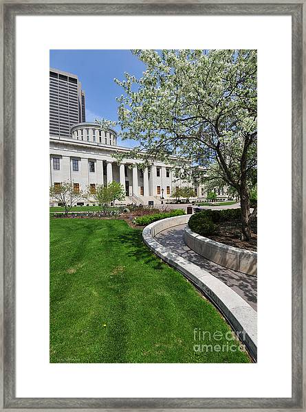 D13l-145 Ohio Statehouse Photo Framed Print