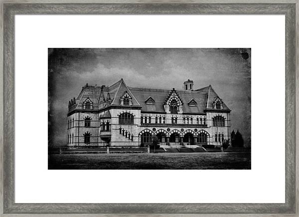 Old Post Office - Customs House B W Framed Print