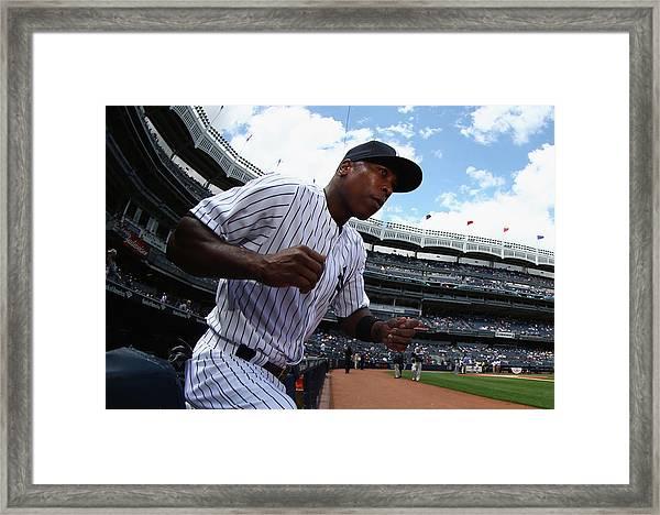 Pittsburgh Pirates V New York Yankees - Framed Print
