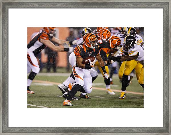 Wild Card Round - Pittsburgh Steelers V Cincinnati Bengals Framed Print by Joe Robbins