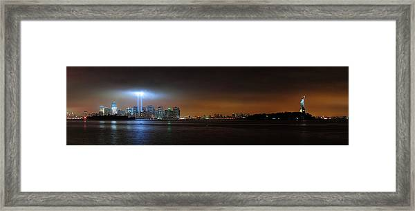 New York City Framed Print by Songquan Deng