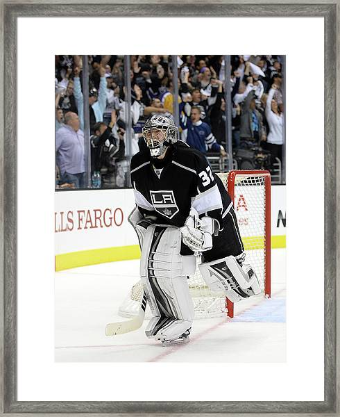 Chicago Blackhawks V Los Angeles Kings Framed Print by Harry How