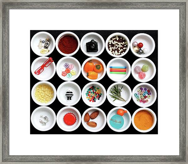 20 Little Things About Me. Framed Print by Sarah Saratonina