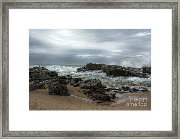 Framed Print featuring the photograph Slipping Away by Glenda Wright