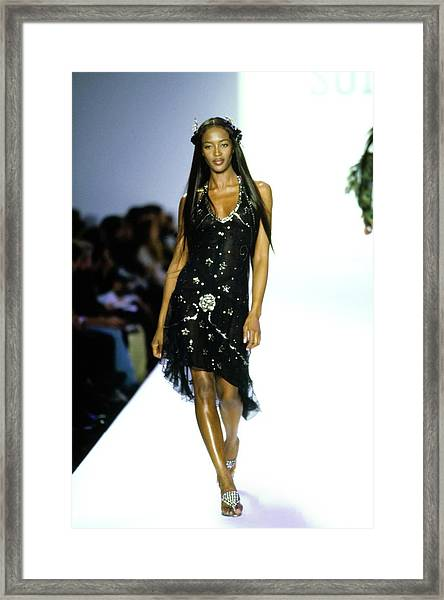 Naomi Campbell On A Runway For Anna Sui Framed Print