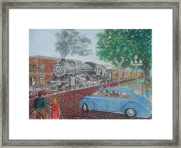A Baltimore And Ohio Freight Passes Tracy Park Portsmouth Ohio Framed Print