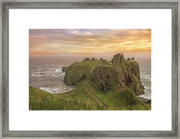 A Dunnottar Castle Sunrise - Scotland - Landscape Framed Print