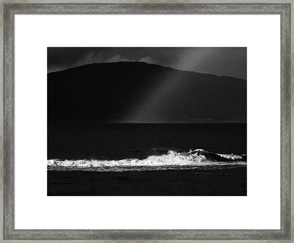 A Quiet Wave Framed Print
