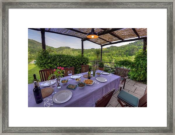Alfresco Dining In Tuscany Framed Print