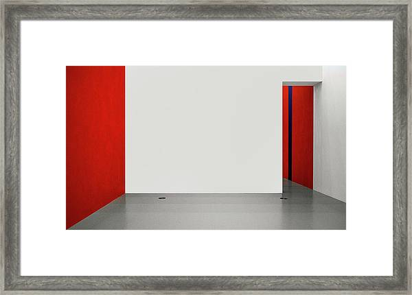 An Empty Room Framed Print by Inge Schuster