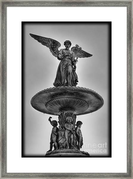 Angel Of The Waters Fountain - Bethesda Iv Framed Print by Lee Dos Santos