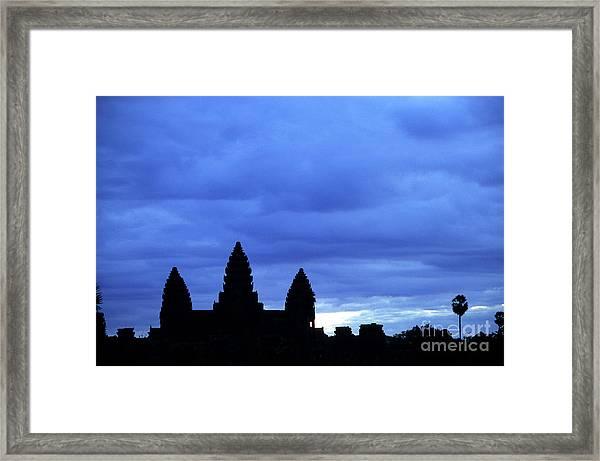 Angkor Wat Sunrise 01 Framed Print
