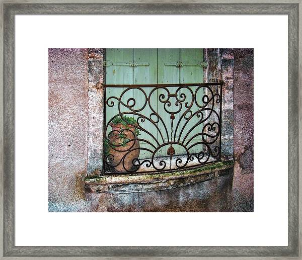 Au Balcon Framed Print