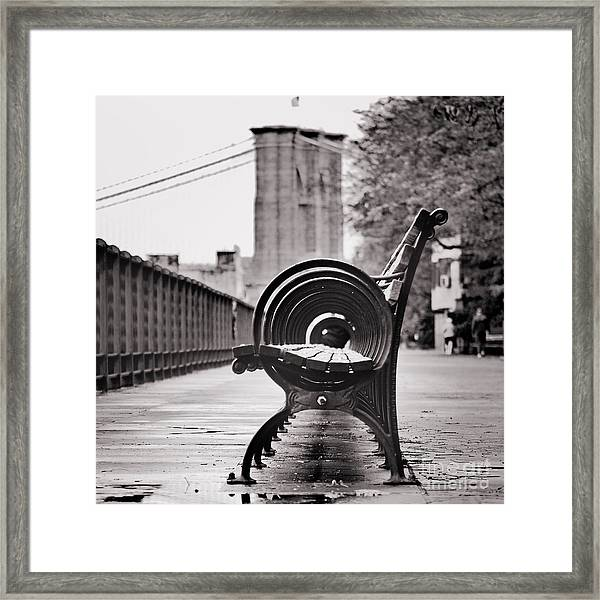 Bench's Circles And Brooklyn Bridge - Brooklyn Heights Promenade - New York City Framed Print
