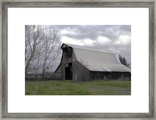 Framed Print featuring the photograph Big Gray Barn In Marysville1 by William Havle