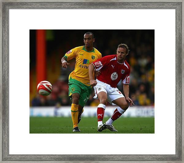 Bristol City V Norwich City Framed Print by Paul Gilham