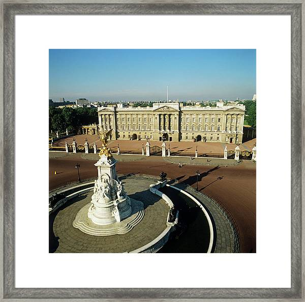 Buckingham Palace Framed Print by Skyscan/science Photo Library