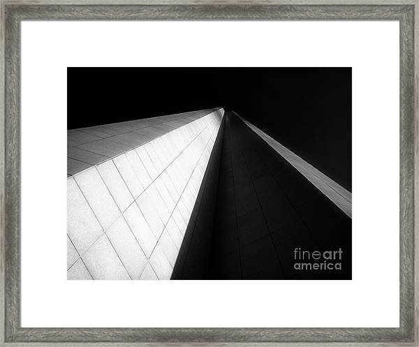 Chicago Aon Canter Framed Print