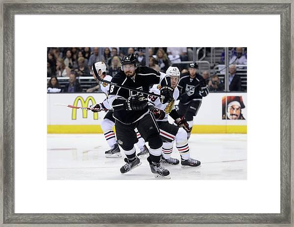 Chicago Blackhawks V Los Angeles Kings Framed Print by Harry How