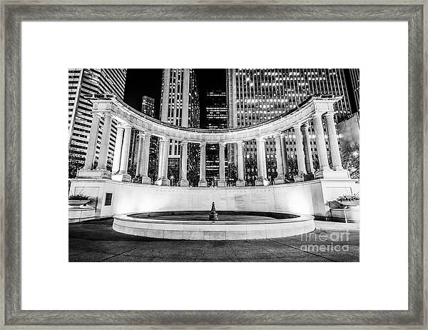 Chicago Millennium Monument Black And White Picture Framed Print