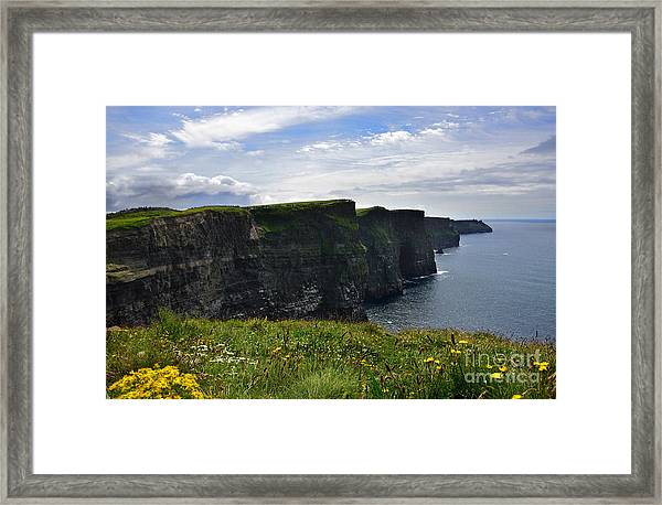 Cliffs Of Moher Looking South Framed Print