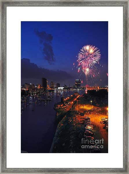 D12u470 Red White And Kaboom In Toledo Ohio Photo Framed Print