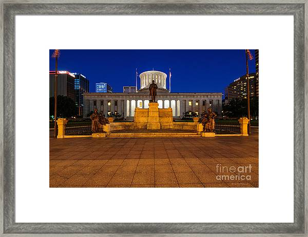 D13l112 Ohio Statehouse Photo Framed Print