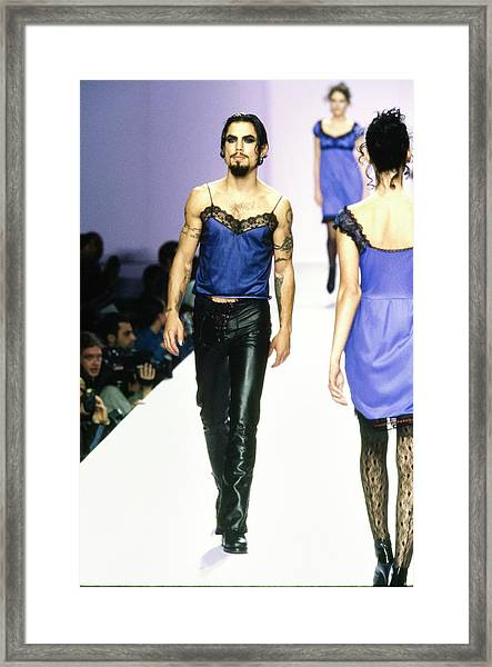 Dave Navarro On The Runway For Anna Sui Framed Print by Guy Marineau