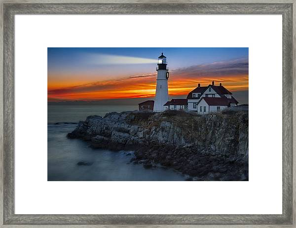 Framed Print featuring the photograph Dawn At Portalnd Head Light by Susan Candelario