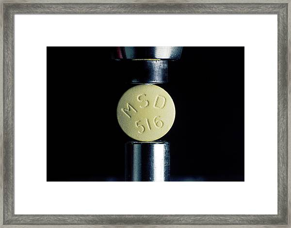 Drug Manufacture Framed Print by Ton Kinsbergen/science Photo Library