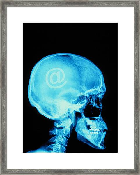 E-mail Framed Print by Alfred Pasieka/science Photo Library