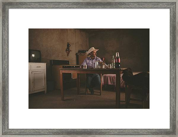 El Descanso. Framed Print