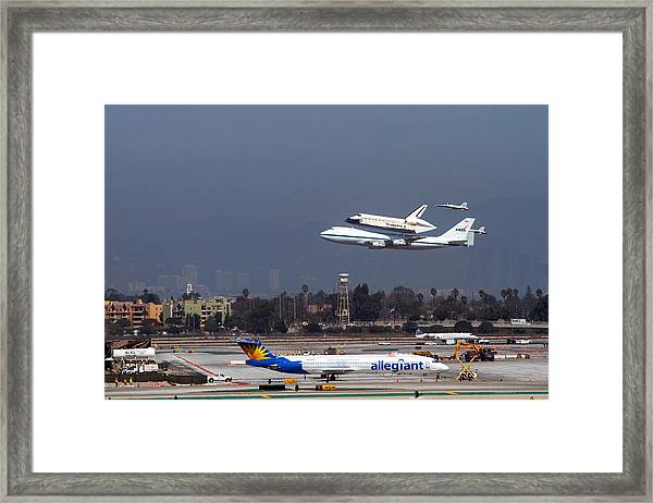 Endeavors Final 300 Ft Flyover Runway 25 Framed Print