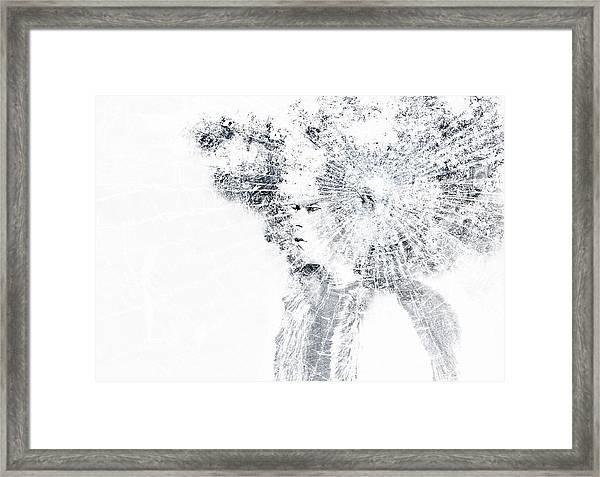 Fantasy Figur Framed Print