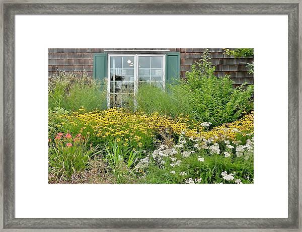 Gardens At The Good Earth Market Framed Print
