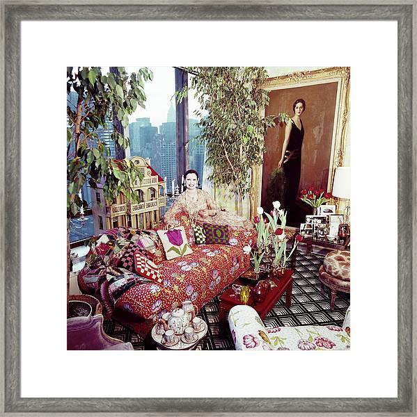 Gloria Vanderbilt In Her Living Room Framed Print by Horst P. Horst
