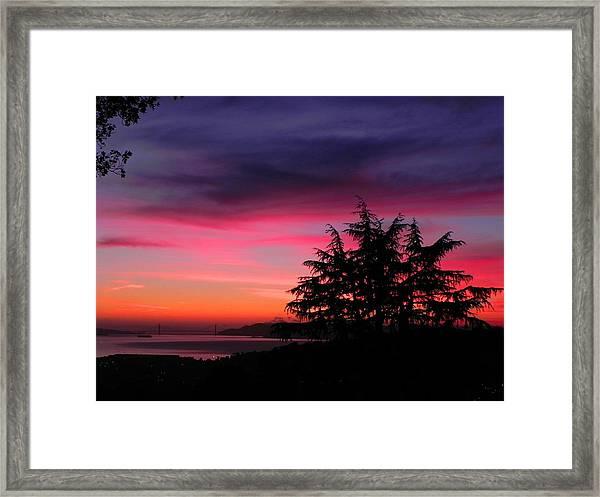 Golden Gate Bridge At Dusk Framed Print