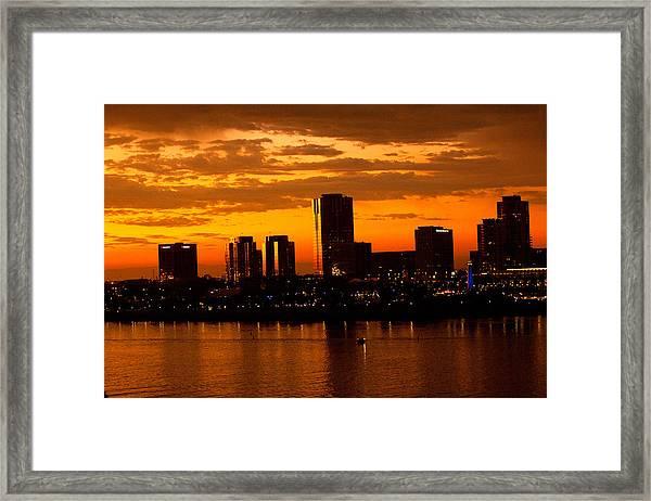 Golden Skys Cloak The Long Beach Skyline Framed Print