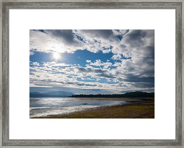 Goose Bay Sunrays Framed Print