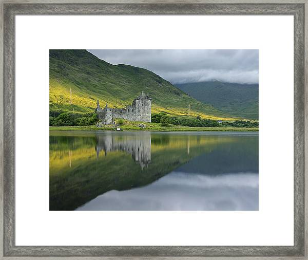 Kilchurn Castle At Sunrise Framed Print