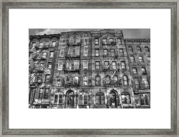 Led Zeppelin Physical Graffiti Building In Black And White Framed Print