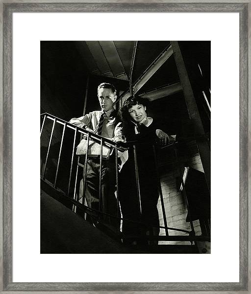 Leslie Howard And Peggy Conklin Leaning Framed Print