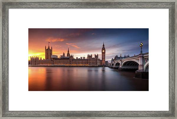 London Palace Of Westminster Sunset Framed Print