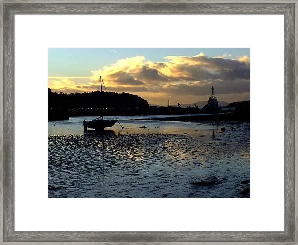Low Tide On The Harbour Framed Print